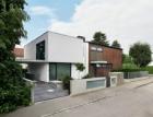 Dům v německém Gersthofenu ve stylu Miese van der Rohe s fasádními systémy Schüco