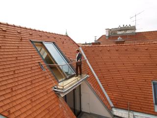 Pokud máte možnost otevřít své podkroví velkoplošným posuvným střešním prosklením, pak to rozhodně udělejte, komentuje řadu posuvného prosklení pro střechy Solara PERSPEKTIV Jakub Formánek