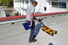 Nedestruktivní impedanční průzkum vlhkosti střešního pláště