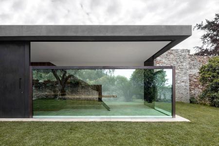 Obr. 7: F Holiday Home, Itálie, návrh: Bergmeisterwolf Architekten (zdroj: www.bergmeisterwolf.it)