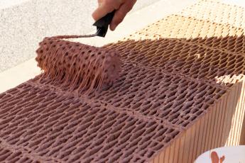 Zdění broušených cihel na silikátově-disperzní maltu HELUZ SIDI