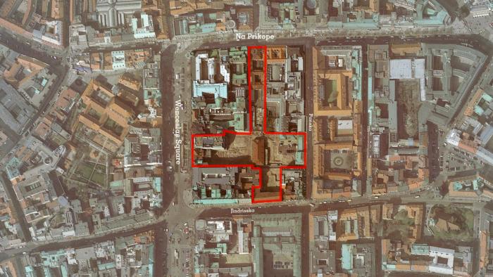 Projekt Savarin je umístěn přímo v sousedství pražského Václavského náměstí. Skládá se ze čtyř na sebe navazujících, a přitom vzájemně propojených samostatných částí, z nichž každá bude mít svůj vlastní charakter a způsob využití.
