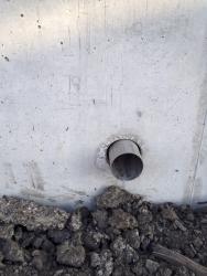 Trhlina malé šířky – opěrná stěna