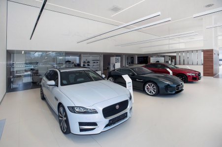 Showroom Jaguar v Hradci Králové
