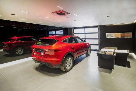 Showroom Jaguar v Hradci Králové – zázemí