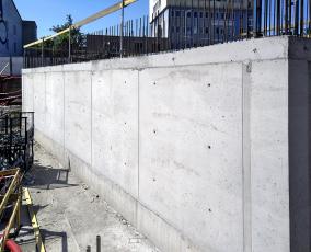 Obvodové suteréní stěny bílé vany z betonu Permacrete