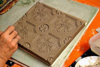Obr. 16: Výroba kachlů pro nová kamna