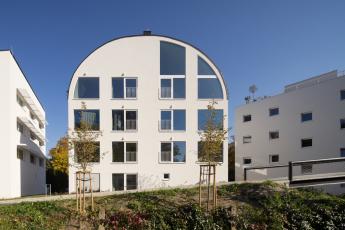 Corso Řevnice, autoři: Sdružení architektů; investor: 2Q; dodavatel: Subterra