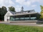 Beton v architektuře – samoobsluha Hruška v Trojanovicích