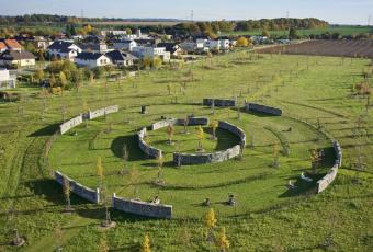 Hřbitov Dolní Břežany, foto archiv Zahradní Architektura Kurz