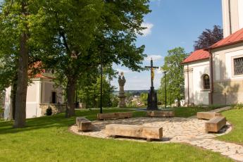 Park u kostela Nanebevzetí Panny Marie v Ústí nad Orlicí, foto archiv města Ústí nad Orlicí