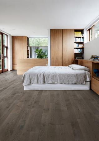 Nová kolekce dřevěných podlah Kährs Canvas – dekor dub carbon