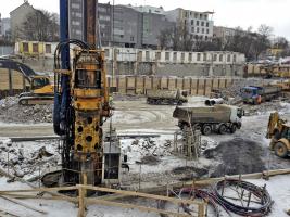 Obr. 8: Zakládání stavby