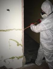 Odstraňování materiálů s obsahem azbestu