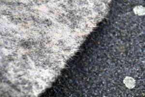 Obr. 5: Detail delaminované výztužné vložky