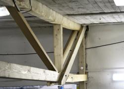 Obr. 18: Deformovaný horní pás