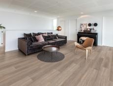 Švédský výrobce dřevěných podlah Kährs rozšířil portfolio o SPC minerální krytiny a vinyly