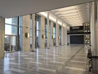 Architektonické řešení společenských prostor je jedním znejlepších anejfunkčnějších prvků celé stavby. Budova slouží opernímu abaletnímu souboru Národního divadla vBrně, kromě toho je pravidelně využívána souborem zpěvohry NDB. Rovněž se tu pořádají koncerty.
