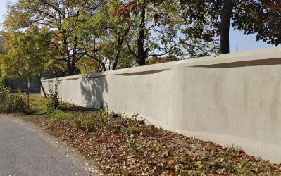 Obr. 22: Jižní úsek zdi po sanaci