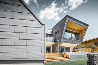 Haus K. v Dölsachu s aluminiovými fasádami a střechami