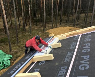 Přesah střechy provedený pomocí krokevních namětků
