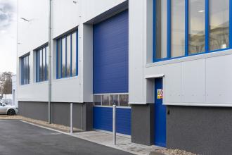 Výrobní hala v pasivním standardu s okny GENEO
