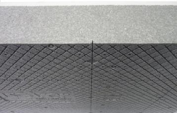 Obr. 7: Nářezy na rubové straně pro omezení průhybu a napjatosti desky