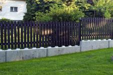 Základ pod plotem