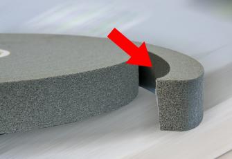 Akrylová samolepicí vrstva umožňuje snadnou a rychlou aplikaci, a zároveň nedojde ke slepení pásky v roli