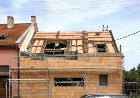 Obr. 2: Realizace těžké šikmé střechy