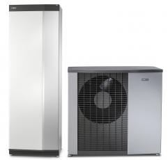 Vnitřní systémová jednotka VVM S320 a tepelné čerpadlo systému vzduch–voda NIBE F2120
