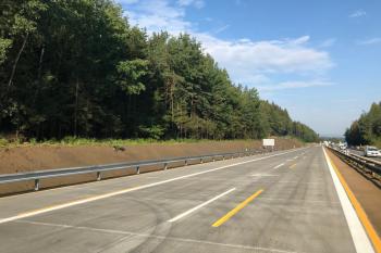 Výhradně po novém betonovém povrchu pojedou řidiči na D1 mezi Humpolcem a Větrným Jeníkovem