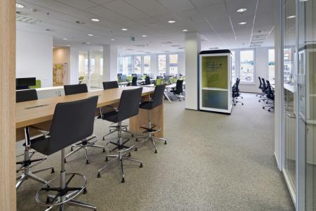 Na kancelářském trhu se významně prosazuje trend podpronájmů. V současnosti je tak k dispozici téměř 45 tis. m² a nabídka každým dnem roste (zdroj: CBRE)