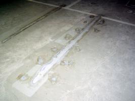 Obr. 3: Zatékání základovou deskou