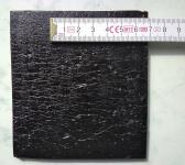 Obr. 5: Příklady povrchové úpravy na spodním povrchu asfaltových pásů: polymerní spalitelnou fólií