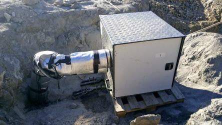 Obr. 2: Měřicí aparatura pro polní zkoušku tepelné vodivosti hornin – Thermal Response Test