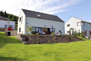 Nízkoenergetický rodinný dům s jednovrstvým obvodovým zdivem z broušených cihel (zdroj: Můj dům)