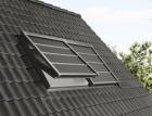 Novinka VELUX: Lehká venkovní roleta na solární pohon SSS