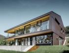 Rodinný dům v rakouském Linci: Spojení hliníku s přírodou