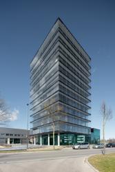 Jednou z prvních budov s novými okny Schüco AWS 75 PD.SI Panorama Design je nové sídlo skupiny Roschmann. Zdroj: Daniel Vieser, www.dv-architekturfotografie.de