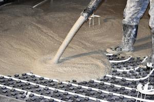 Ukládka CEMFLOW na podlahové topení