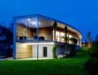 Pozemek determinoval výsledný oblouk domu