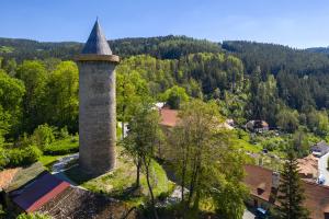Rekonstrukce gotické věže Jakobínka na hradě Rožmberku