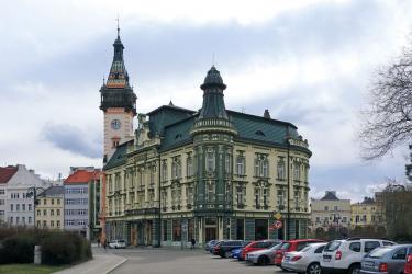 Radnice a spořitelna v Krnově