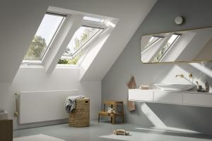 Střešní okno VELUX GLU se spodním ovládáním
