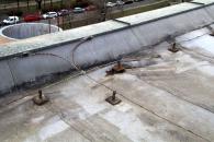 Obr. 10: Vytržená izolace z patního plechu nebo vytržené vše včetně patního plechu