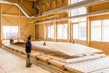 Hlavním konstrukčním prvkem je deska EGGER OSB 4 TOP v největším dostupném formátu (foto Fotostudio Rene Paulweber)