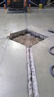 Obr. 10: Oprava zdvižených/zlomených rohů v důsledku miskovité deformace – odříznutí a vybourání podlahové desky ve vymezené oblasti