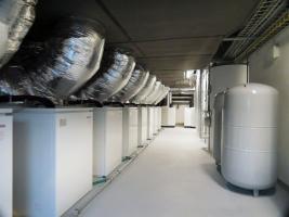 Technické zázemí chladicí a topné soustavy s rekuperací (foto: Viega)