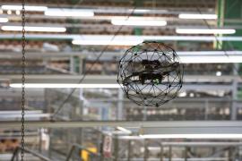 Kontrola konstrukce probíhá dronem i v interiéru
